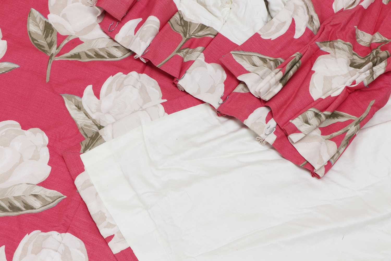 A pair of pink floral interlined curtains, - Image 4 of 4