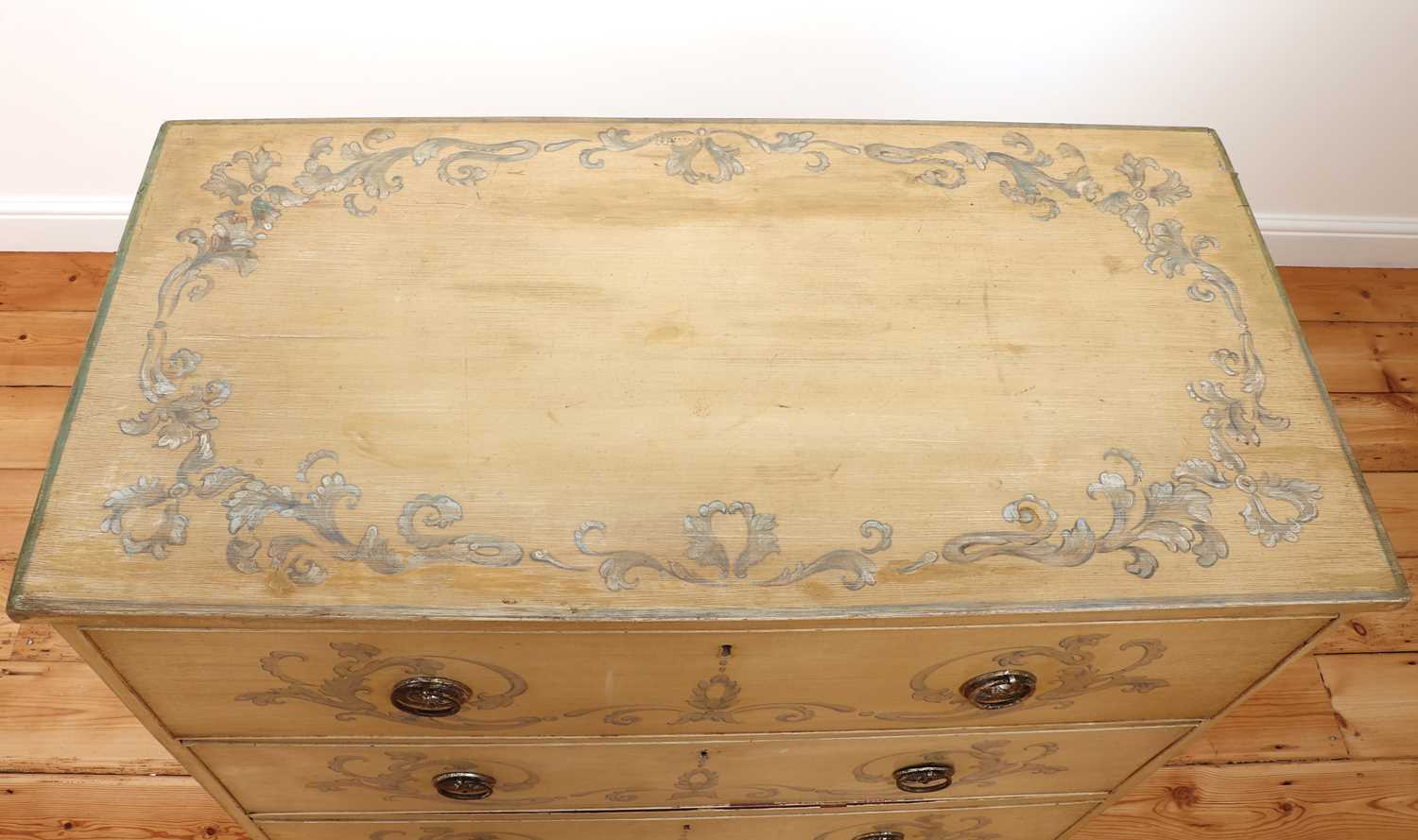 A painted chest of drawers, - Image 5 of 6