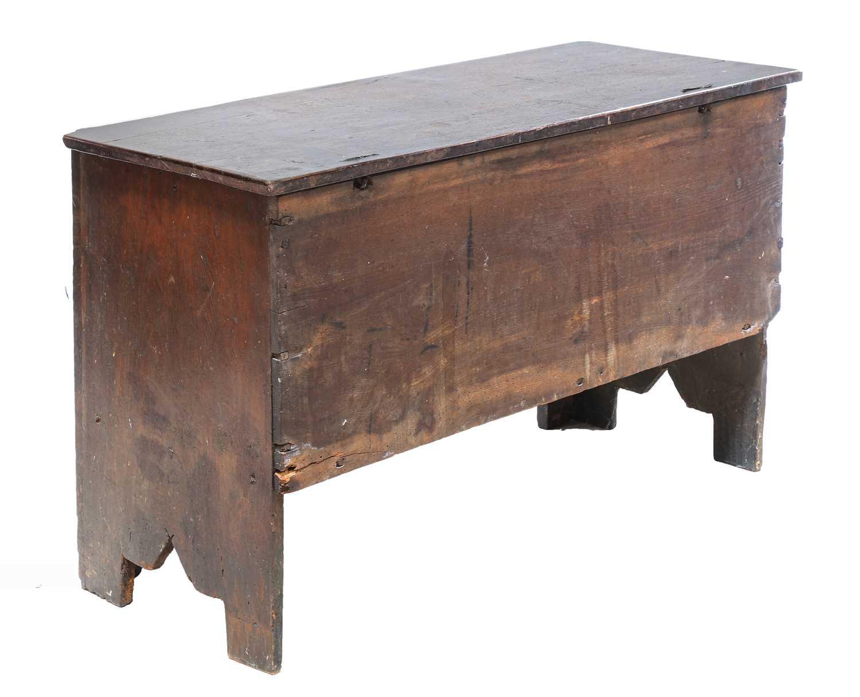 An oak coffer, - Image 3 of 6