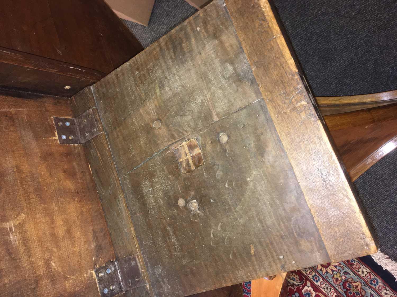 A walnut Biedermeier centre table, - Image 4 of 9