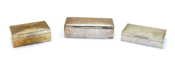 An Edwardian silver cigarette box,