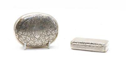 A George IV silver snuff box,
