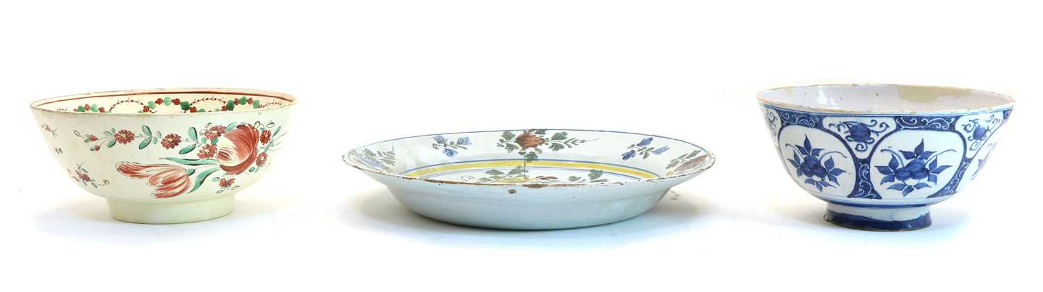 A Delft polychrome charger, - Image 3 of 5