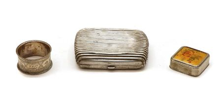 A Victorian silver cigarette case with reeded decoration,