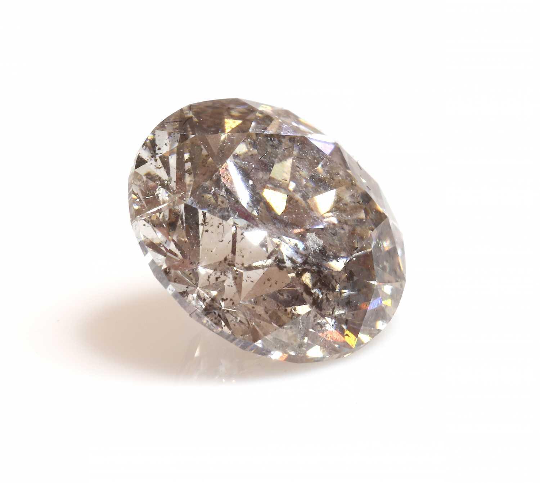 An unmounted brilliant cut diamond,