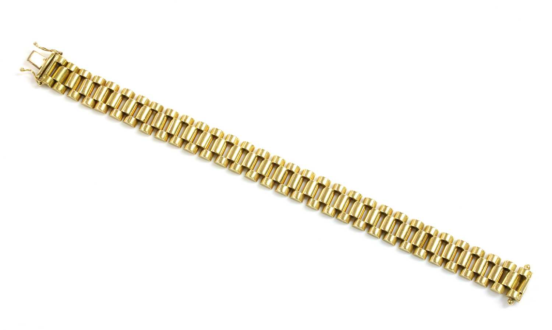 A gentlemen's 18ct gold 'President' style bracelet,