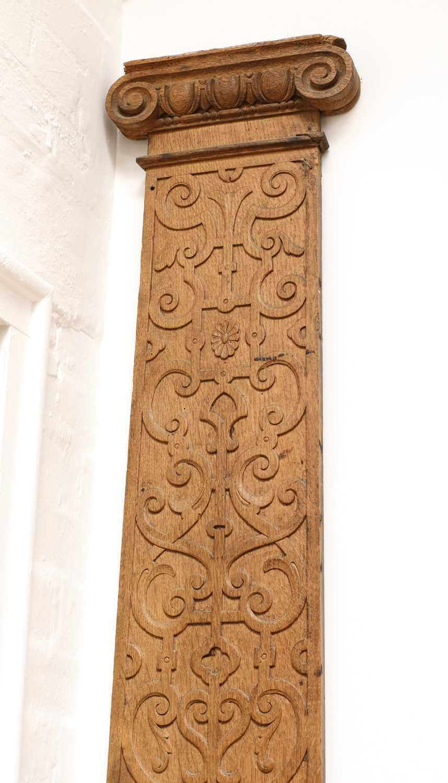 A carved oak pilaster, - Image 2 of 4