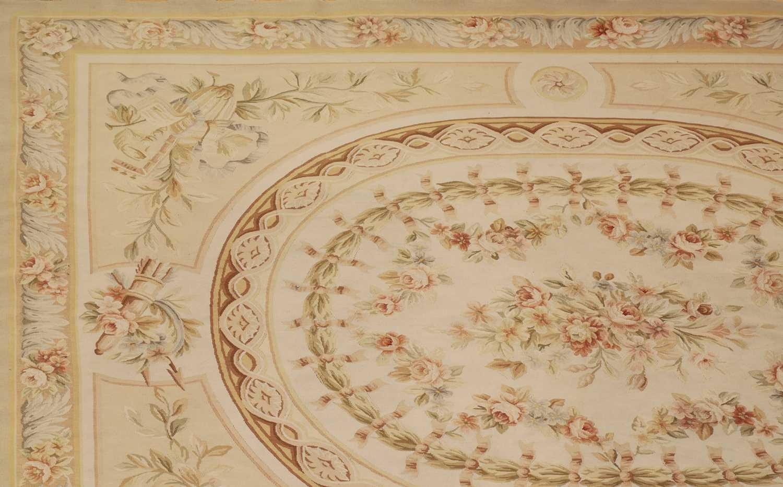 A flatweave Aubusson design rug - Image 2 of 6