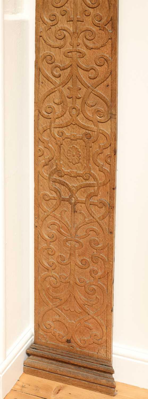 A carved oak pilaster, - Image 3 of 4