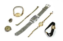 A small quantity of watches,
