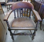 EARLY 20TH CENTURY OAK & LEATHER ELBOW CHAIR WITH BARLEY TWIST SUPPORTS 82 CM TALL