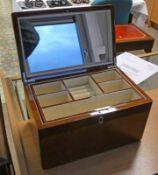 WALNUT JEWELLERY BOX Condition Report: Unused condition, modern,