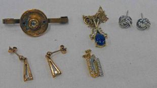 DIAMOND SET BROOCH, PAIR OF 9CT GOLD DIAMOND SET EARRINGS,