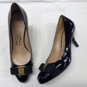 NEW SALVATORE FERRAGAMO BLACK CARLA PATENT PUMPS SIZE 6.