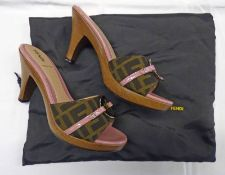 FENDI BROWN ZUCCHINO HEELED MULES WITH PINK PATENT LEATHER SIZE 36.