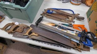 SELECTION OF WOODEN AND VINTAGE SAWS TO INCLUDE MAKERS SUCH AS SUPERIOR,