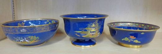 2 CARLTON WARE CHINOISERIE PATTERN LUSTRE BOWLS AND A PERSIAN BOWL - 23 CM DIAMETER