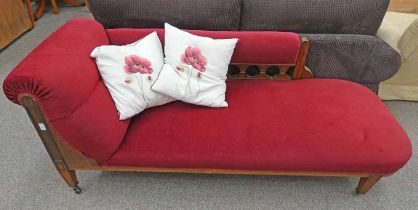 LATE 19TH CENTURY OAK CHAISE LONGUE Condition Report: The dimensions for this lot