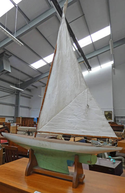 MODEL POND YACHT WITH WOODEN CRATE