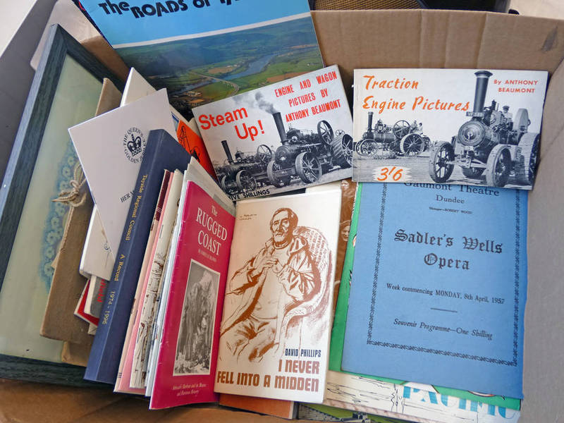 A GOOD SELECTION OF DUNDEE, MONIFIETH AND BROUGHTY FERRY BOOKS TO INCLUDE ANGUS LORE AND LEGEND,