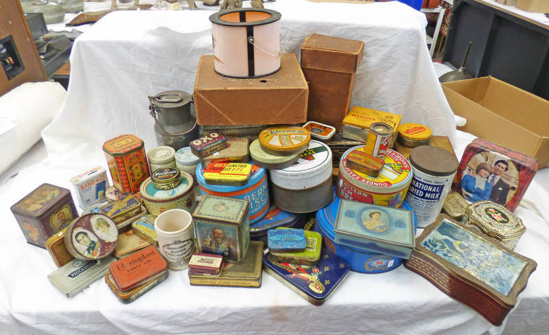 VARIOUS ADVERTISING TINS TO INCLUDE SEVERAL CIGARETTE TINS TO INCLUDE WORLOCK, ST BRUNO FLAKE,