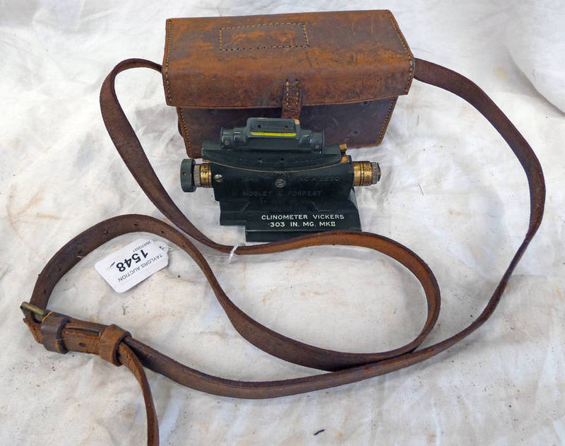 WW2 VICKERS MG CLINOMETER AND LEATHER CASE