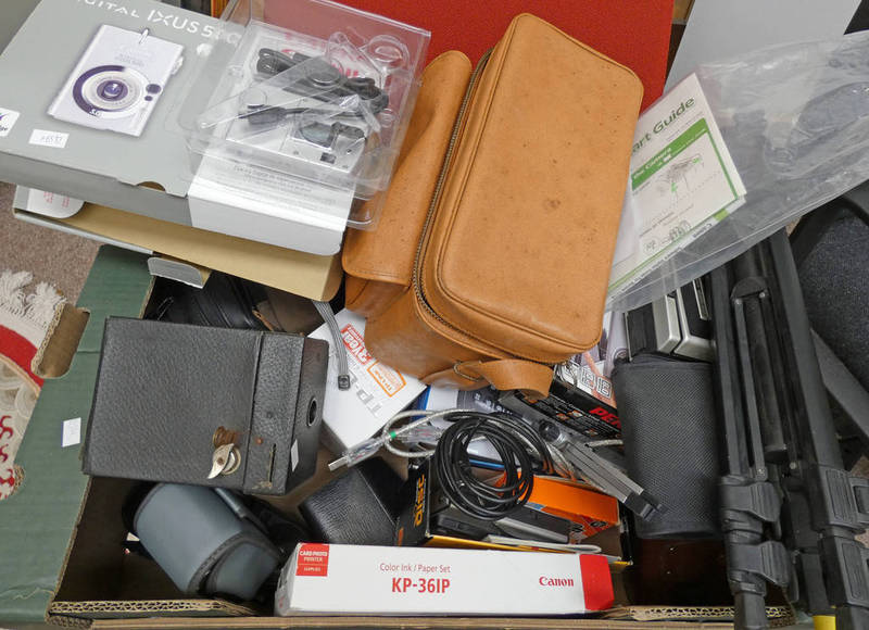 VARIOUS CAMERAS AND OTHER CAMERA RELATED ITEMS TO INCLUDE A CANON POWER SHOT A85,