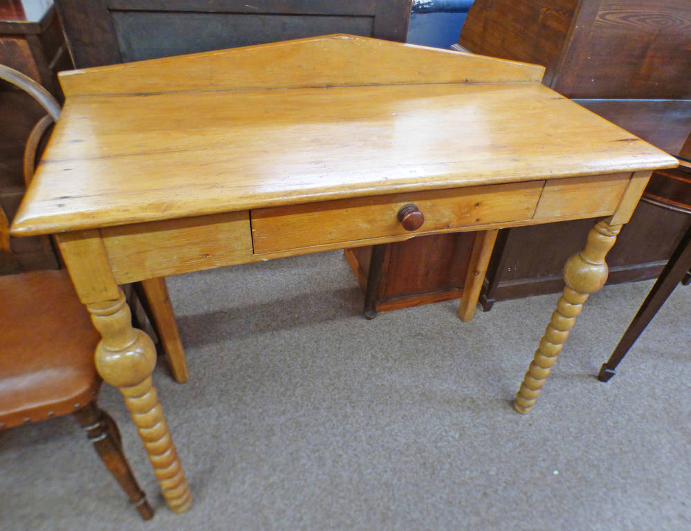 LATE 19TH CENTURY PINE SIDE TABLE WITH SINGLE DRAWER ON BARLEY TWIST SUPPORTS,