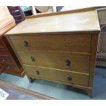 OAK CHEST OF 3 DRAWERS ON TAPERED SUPPORTS,