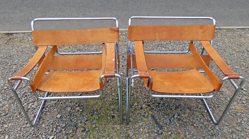 PAIR OF WASSILY STYLE CHROME & LEATHER LOUNGE CHAIRS Condition Report: Real leather,