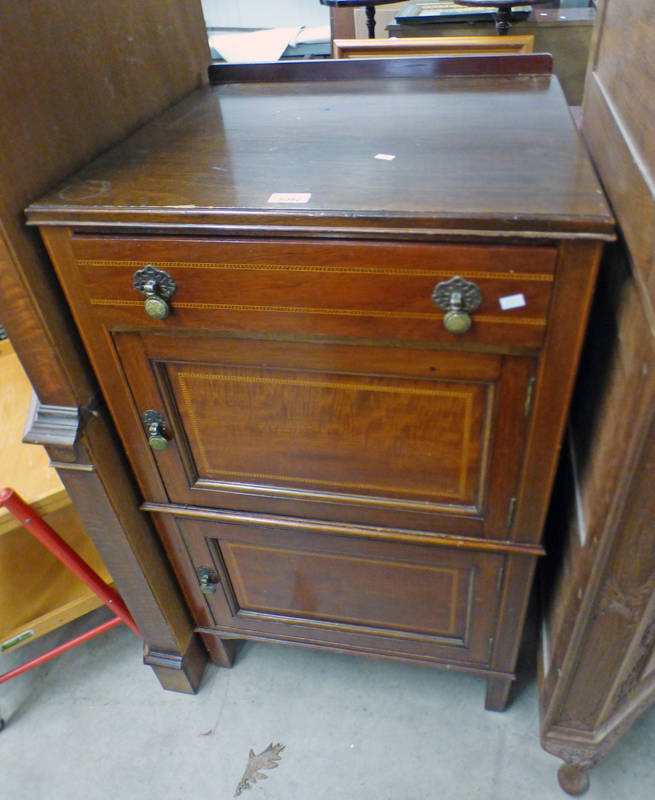 INLAID MAHOGANY SIDE CABINET WITH DRAWER OVER 2 PANEL DOORS 98CM TALL