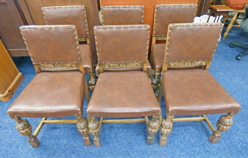 SET OF 6 OAK DINING CHAIRS WITH CARVED DECORATION,