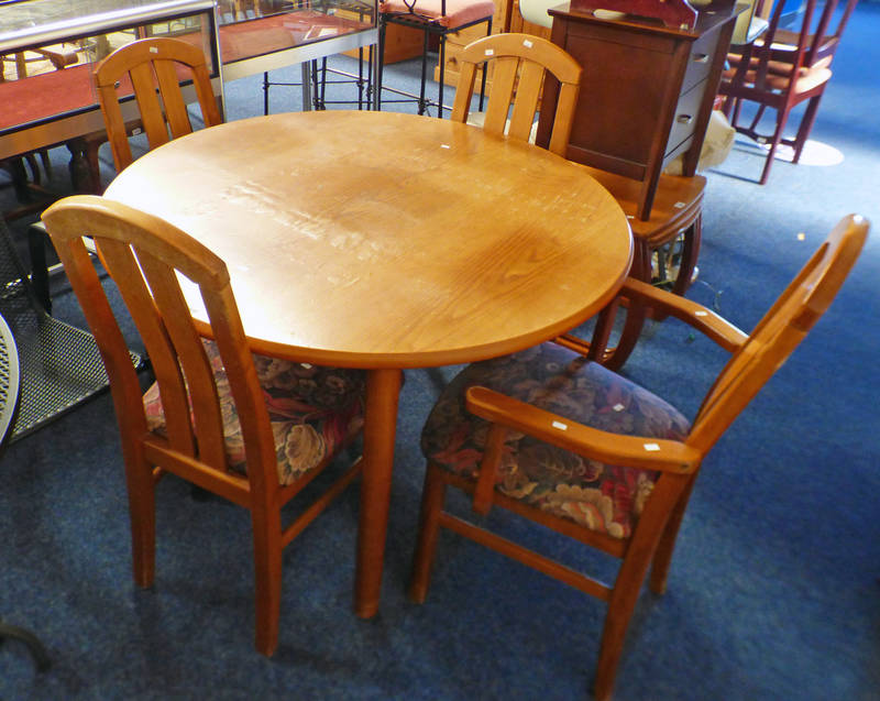 TEAK CIRCULAR TABLE ON TURNED SUPPORTS WIDTH 106CM WITH SET OF 4 MATCHING CHAIRS INCLUDING 2