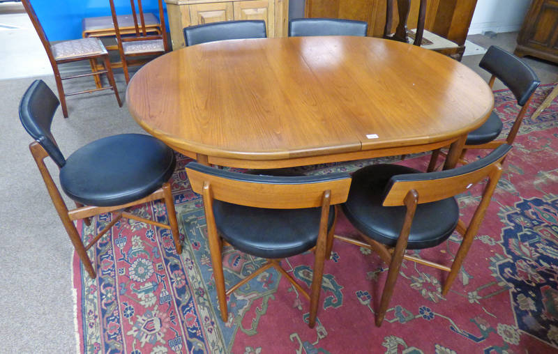 TEAK G-PLAN PULL-OUT DINING TABLE ON TAPERED SUPPORTS, LENGTH 206CM,