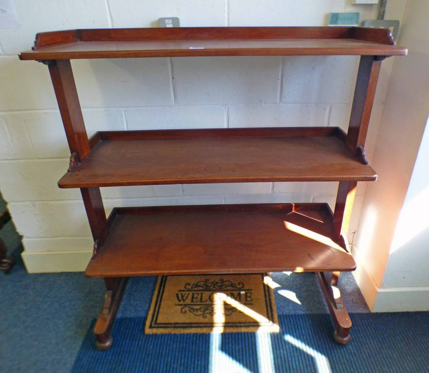 19TH CENTURY MAHOGANY 3-TIER BUFFET ON SHAPED SUPPORTS - WIDTH 107CM