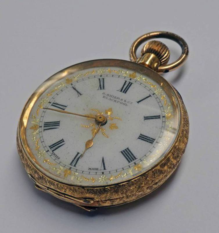 18K GOLD FOB WATCH WITH GOLD DECORATED ENAMEL DIAL - 43G