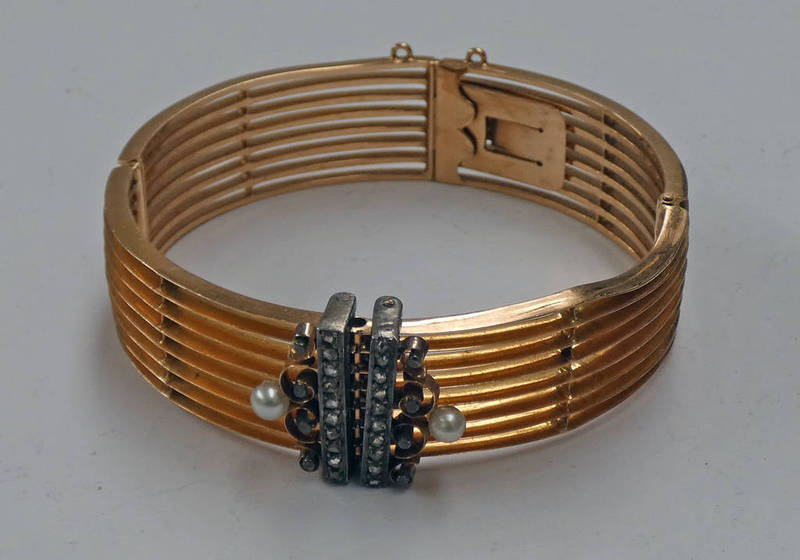 FRENCH GOLD DOUBLE HINGE BANGLE SET WITH ROSE CUT DIAMONDS 8 PEARLS WITH EAGLES HEAD MARK - 37.