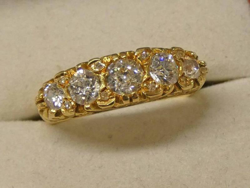 18CT GOLD 5-STONE DIAMOND SET RING, THE OLD BRILLIANT-CUT DIAMONDS APPROX 1.
