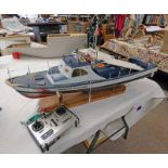 REMOTE CONTROL MODEL BOAT 'COAST GUARD 40414' WITH A STAND AND FLEET CONTROL SYSTEM,
