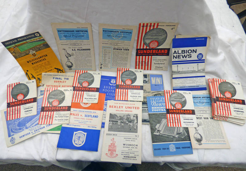 FOOTBALL PROGRAMMES TO INCLUDE EVERTON 1965, TOTTENHAM HOTSPUR 1962, BEXLEY UNITED 1964-65,