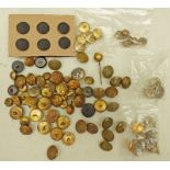 A GOOD SELECTION OF VARIOUS MILITARY BUTTONS,
