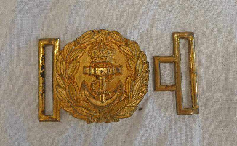 ROYAL NAVY PRE 1952 BELT BUCKLE AND KEEPER
