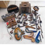 GOOD SELECTION OF TOBACCO PIPES AND PIPE STANDS, CLAY PIPES IN CASES, MEERSCHAUM PIPE IN CASE,