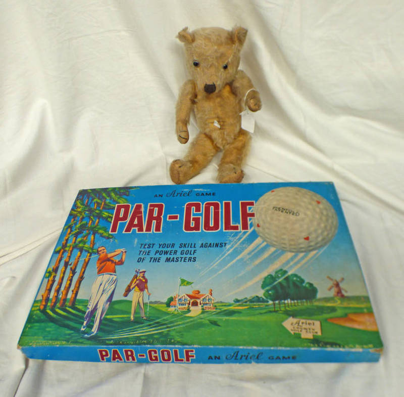 VINTAGE TEDDY BEAR TOGETHER WITH PAR - GOLF BOARD GAME FROM ARIEL