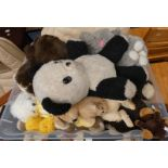 SELECTION OF VARIOUS SOFT TOYS