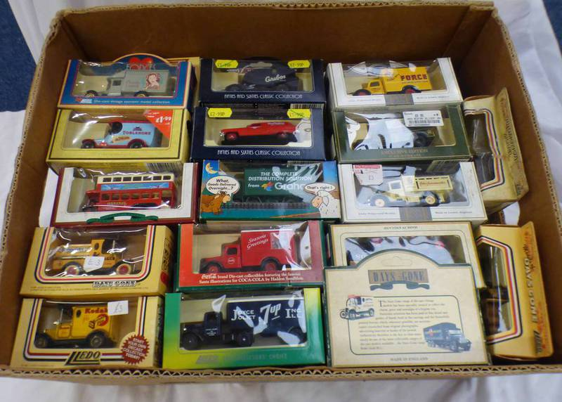 QUANTITY OF LLEDO MODEL VEHICLES INCLUDING BUSES, CARS,