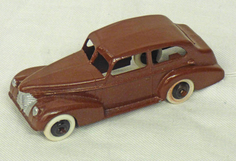 DINKY TOYS 39B OLDSMOBILE CAR WITH WHITE TYRES.