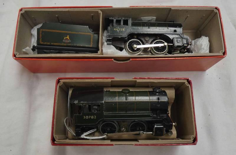 TRIX TWIN RAILWAYS 0-4-0 46258 TOGETHER WITH 30782