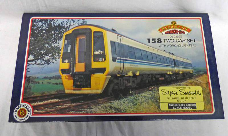 BACHMANN 31-502 00 GAUGE 158 TWO CAR DMU 'WYPTE METRO' WITH WORKING LIGHTS.