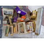 QUANTITY OF VARIOUS LLEDO, OXFORD DIECAST, CORGI MODEL VEHICLES INCLUDING BUSES, FIRE ENGINES, VANS,